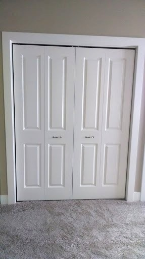 2 Bedroom Bi Level Home With Open Living: 2-panel Bedroom Door Bi-fold